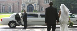 When to Use a Limo Service Instead of Driving